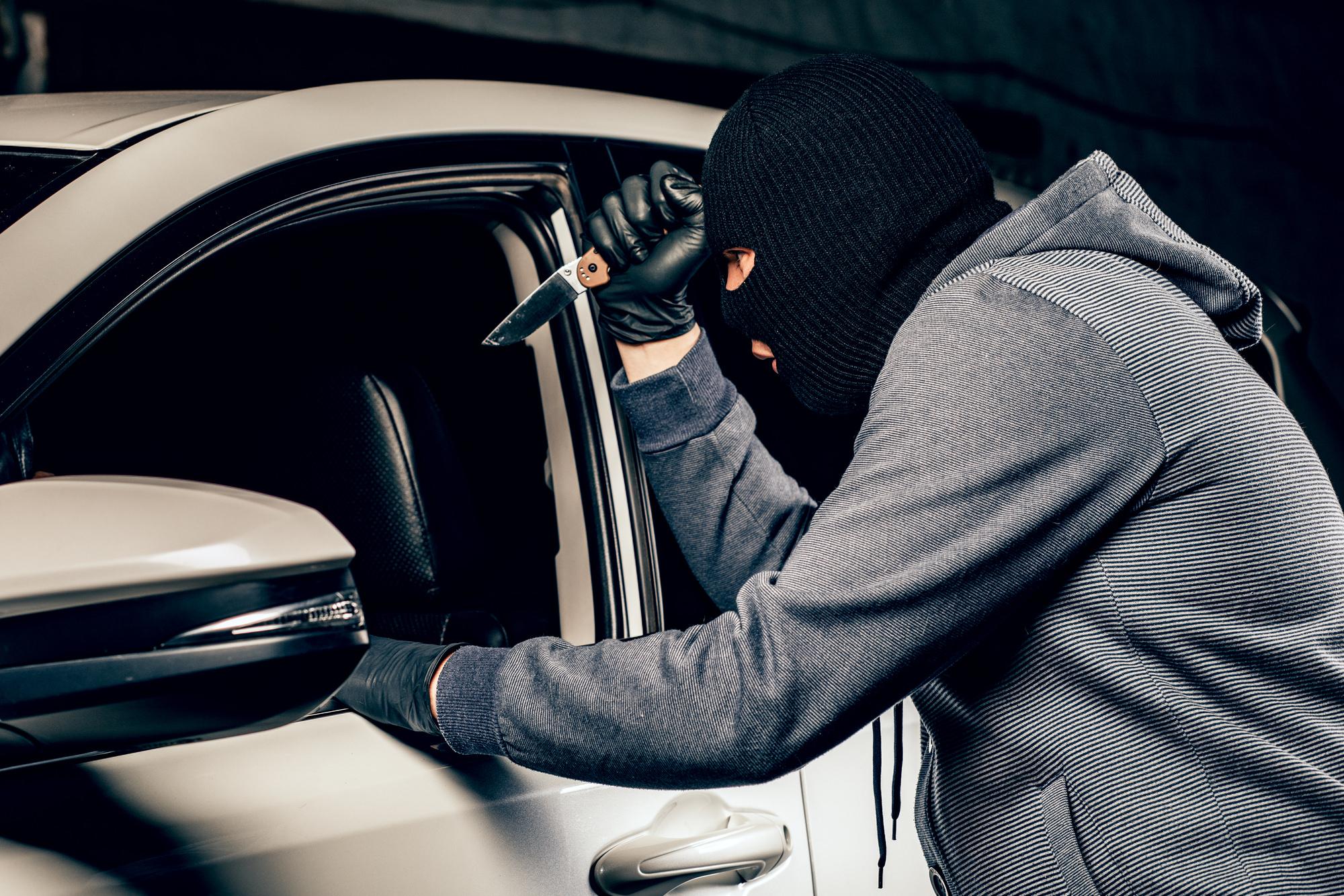 Что делать если угнали автомобиль?